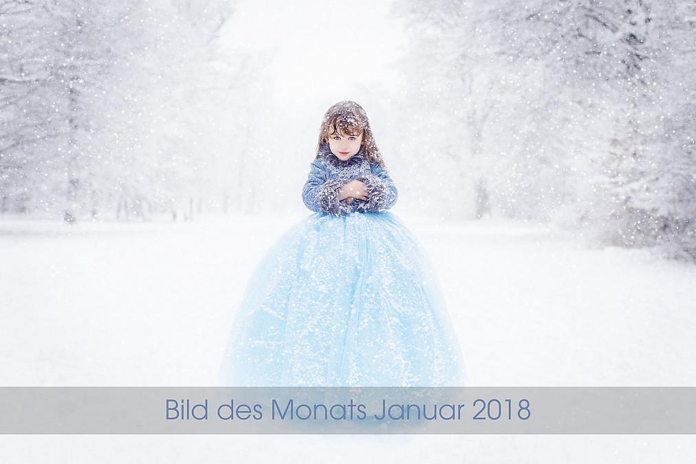 Künstlerische Kinderfotografie im Schnee