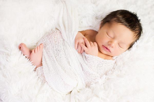 Babybilder und Neugeborenenfotos in und um München